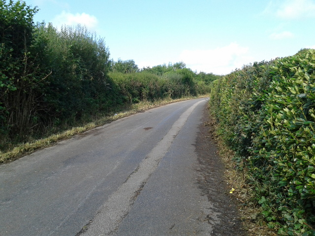 Minor road heading to Bodmin next to the Bodmin and Wenford Railway