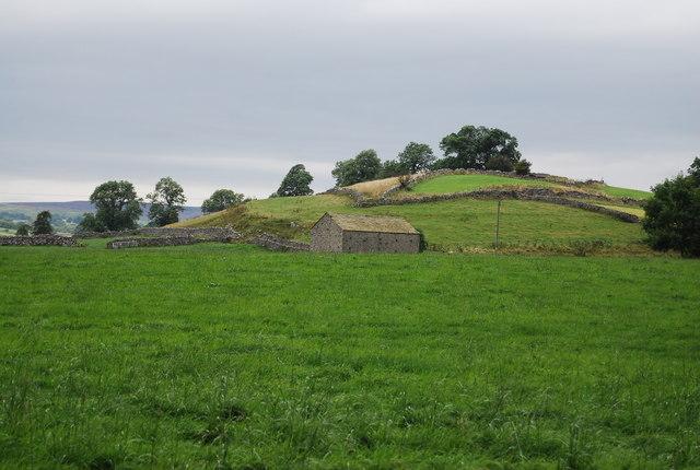 Farm buildings near Mill Lane