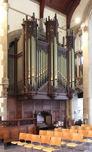 St Barnabas, Addison Road - Organ