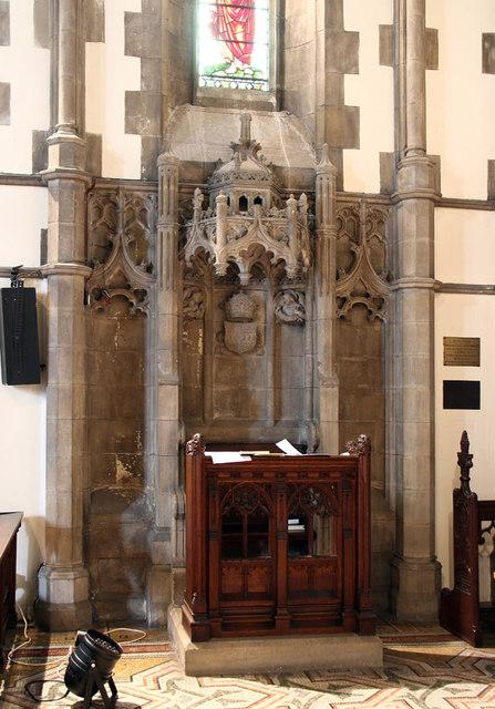 St Barnabas, Addison Road - Bishops throne