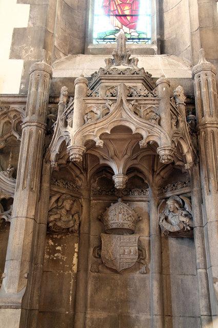 St Barnabas, Addison Road - Bishops throne, detail