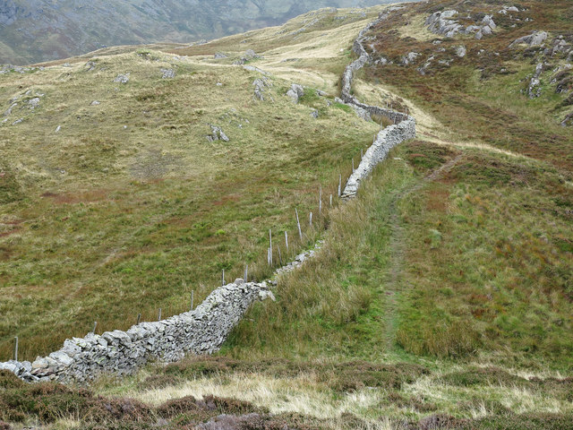 Wall and path between Eagle Crag and Sergeant's Crag