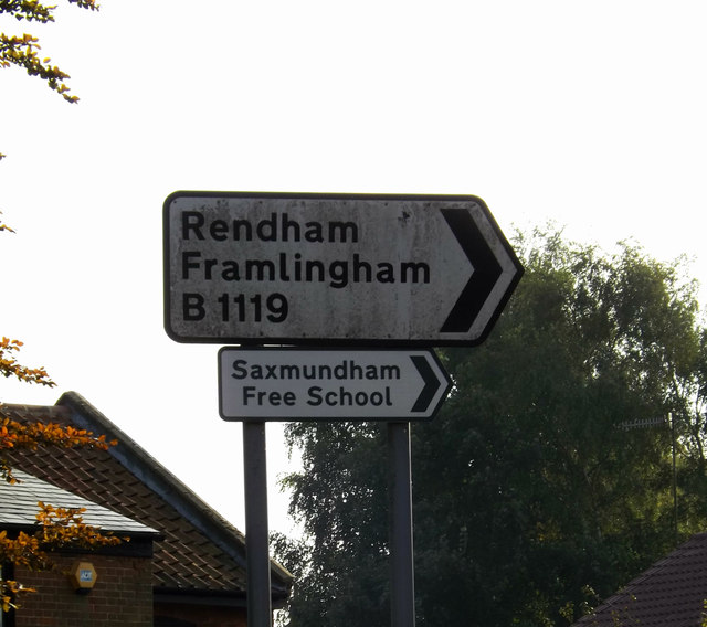 Roadsign  on the B1119 Fairfield Road
