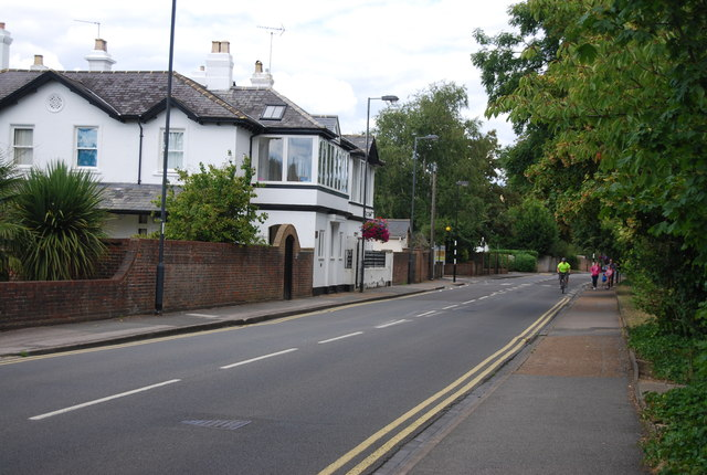 Lower Cookham Rd