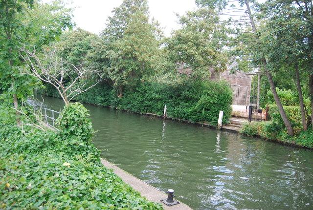 River Thames, Boulter's Island