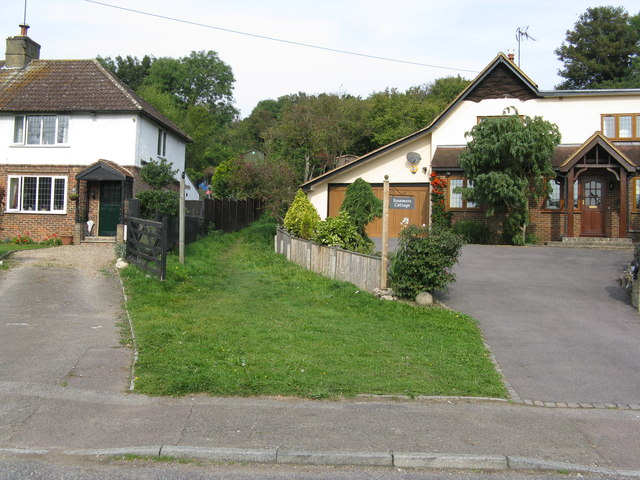 Chipstead:  Public footpath and Rosemere Cottage