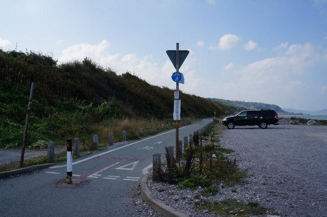 Wales  Coast Path leaves Wem Road, Llanddulas