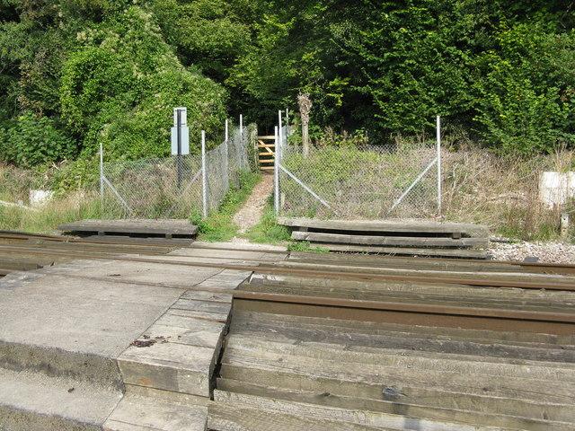 Chipstead:  Public footpath across the railway