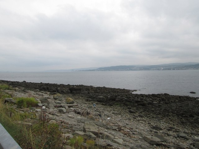 The shoreline at Kilcreggan