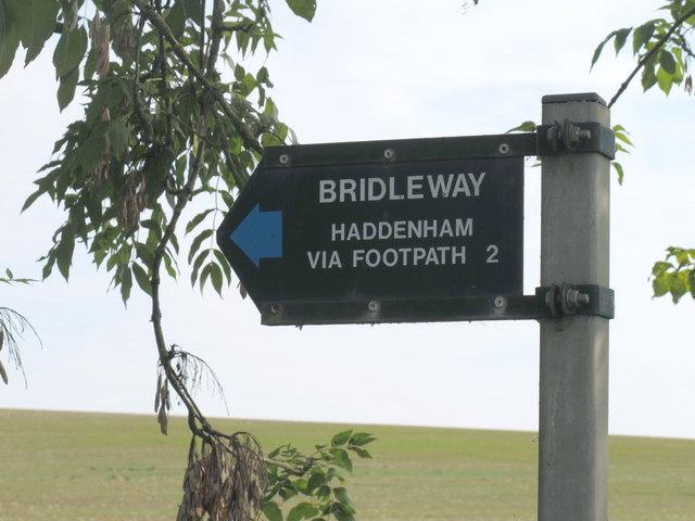 Sign: Bridleway, Haddenham via footpath 2