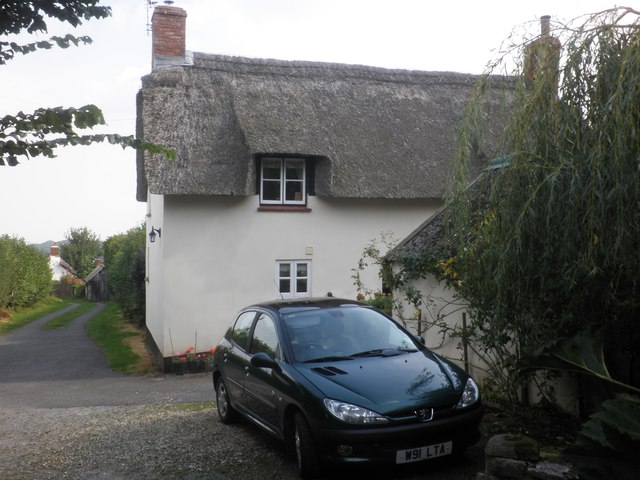 Thatched cottage on Western Lane