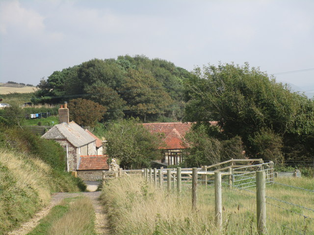 Dropping down to Newlands Farm