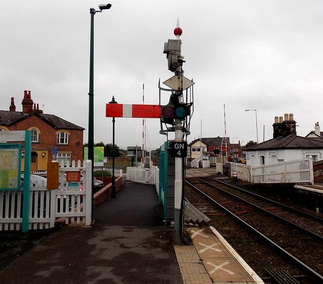 Semaphore signal GN4 at Gobowen railway station
