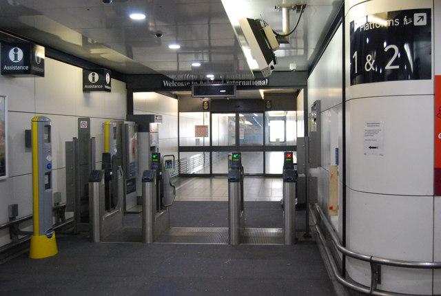 Barriers, Ashford International Station