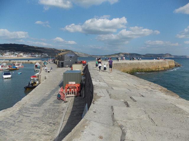 Lyme Regis: southern edge of The Cobb