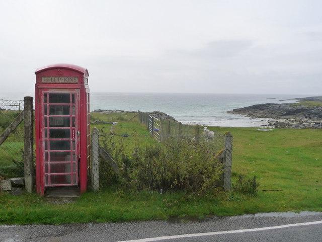 Scarinish: the telephone box