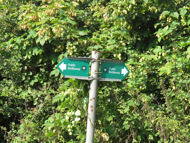 Public bridleway sign by Scotsgrove Mill