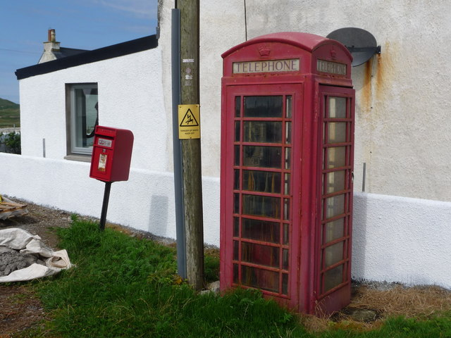 Balephuil: postbox № PA77 136 and phone box