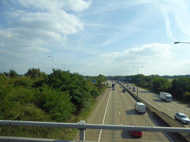 M25 south of overbridge at junction 11