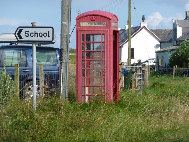 Cornaig: red telephone box