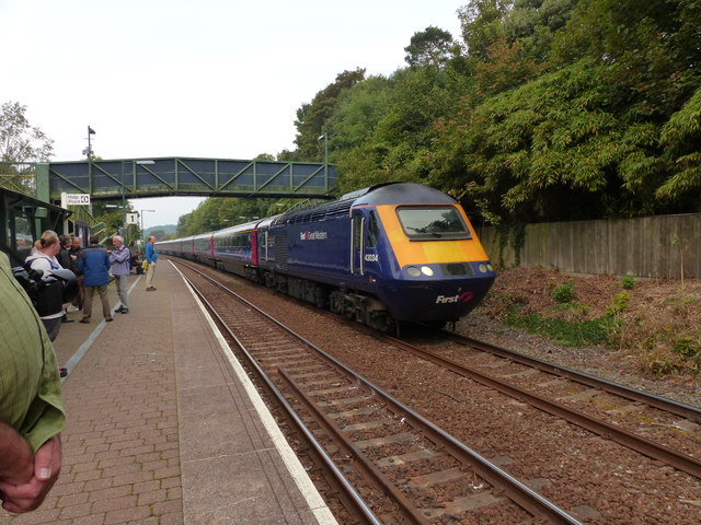 A 125 HST travels through Ivybridge station on its way to London