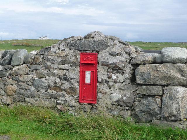 Caolas: postbox № PA77 121