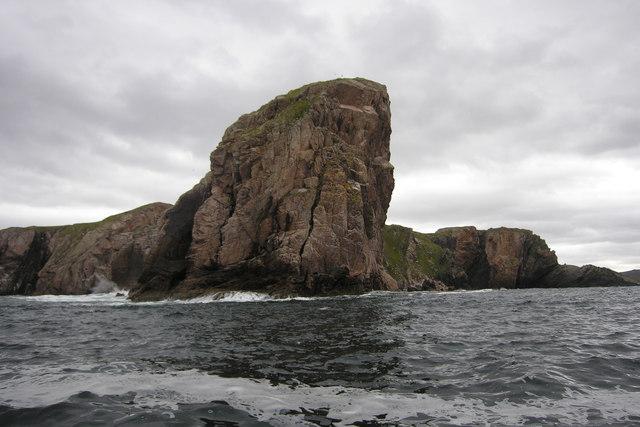 Creag Ruadh, Neave Island