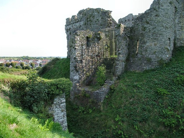 The North gate of Kidwelly Castle