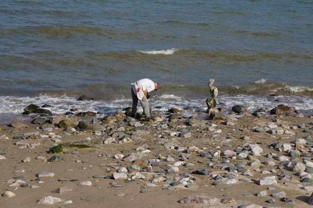 Stone balancing at Colwyn Bay