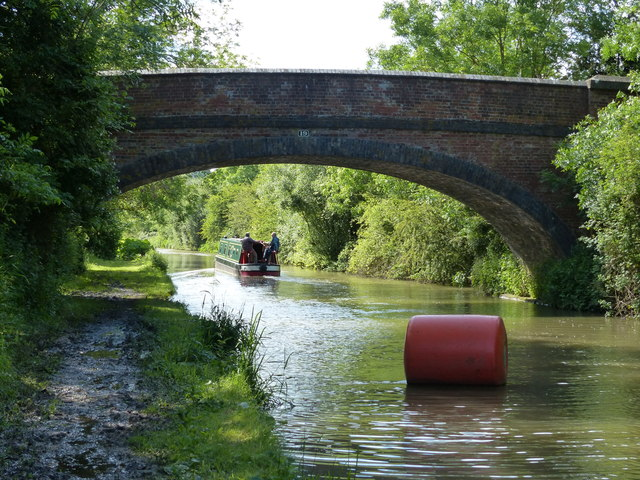Hollyhill Bridge crossing the Oxford Canal