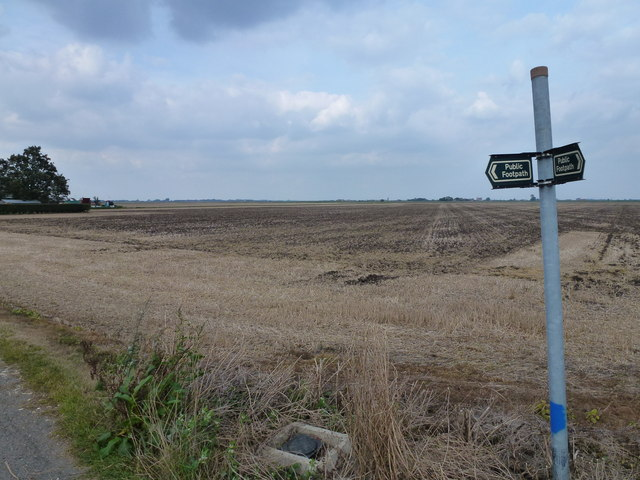 Farmland at the end of Stowgate