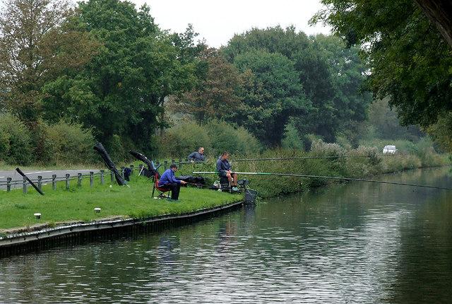 Anglers north of Penkridge, Staffordshire
