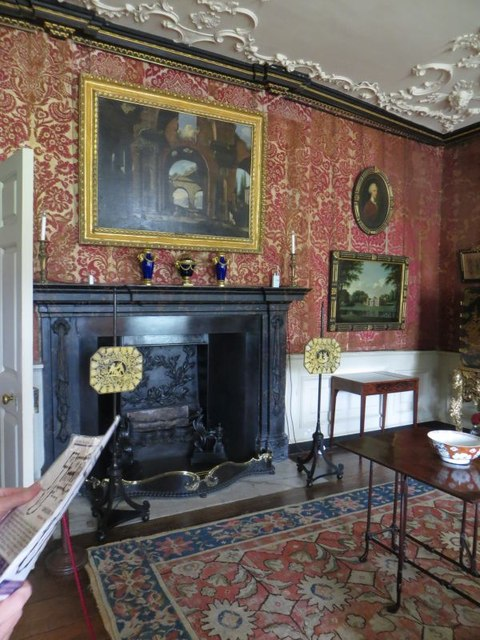 Room in the Vyne