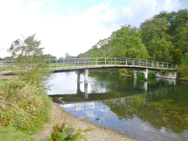 Hale, bridge