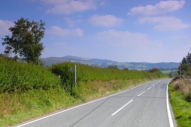 Ffordd-B ger Rhyd-Uchaf / B-road near Rhyd-Uchaf