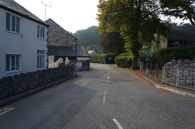 Penrhyn Old Road off the B5115