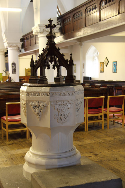 All Saints, Haggerston - Font