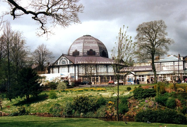 Buxton Pavilion in 1990