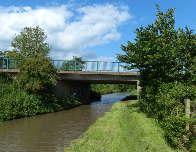 Squires Bridge crossing the Oxford Canal