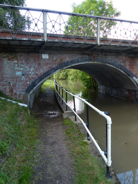 No. 14 Ansty Village Bridge crossing the Oxford Canal