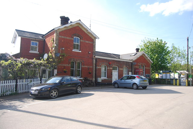 Station House, Ockley Station