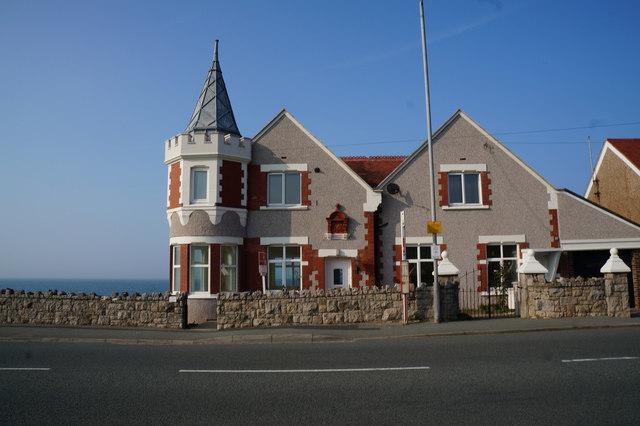House on Colwyn Road, Craigside, Llandudno
