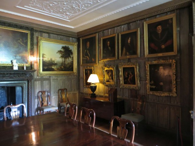 More of the panelled room