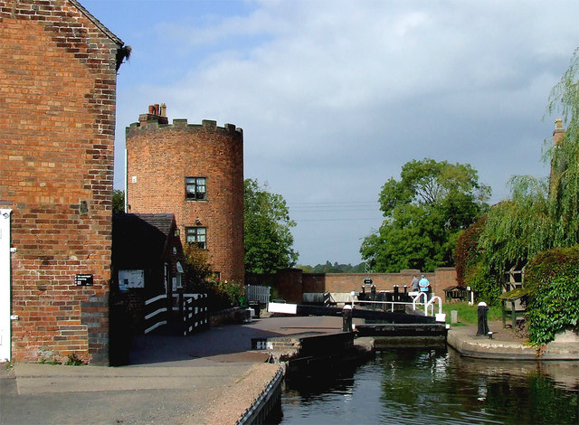 Gailey Lock and Bridge, Staffordshire