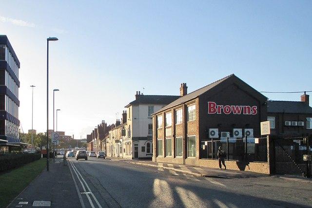 Evening sunlight, Nottingham Road