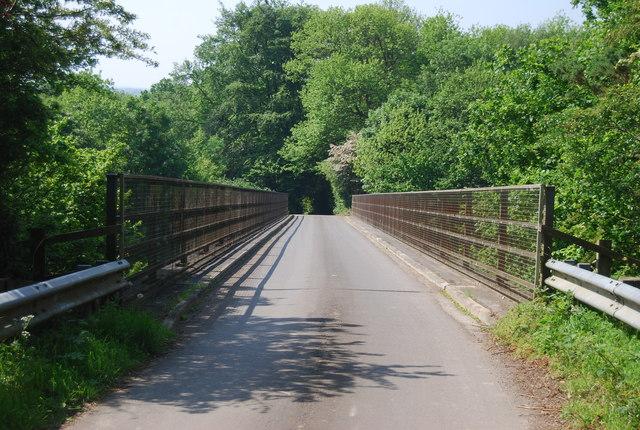 Chalket Lane crosses the A21