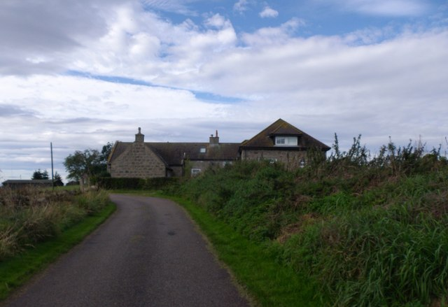 Approaching Hillhead of Carnie