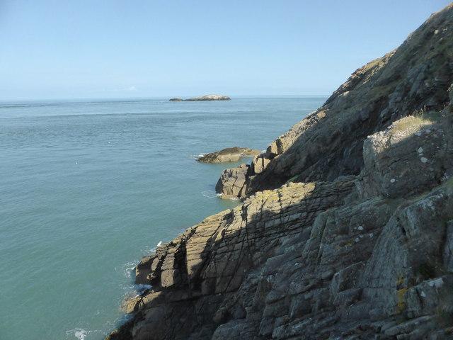 Rocky coastline near Ogof Gynfor