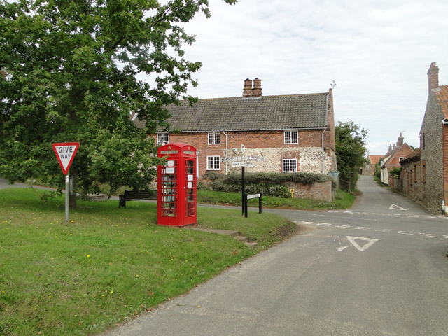 Telephone box in Great Snoring