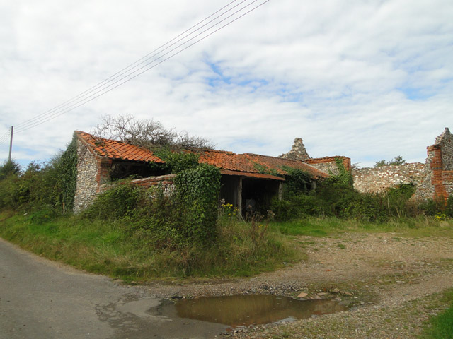 Derelict barn at Duckstown End, Great Snoring